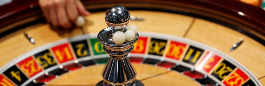 The Secret Of Online Gambling That No Person Is Chatting Around